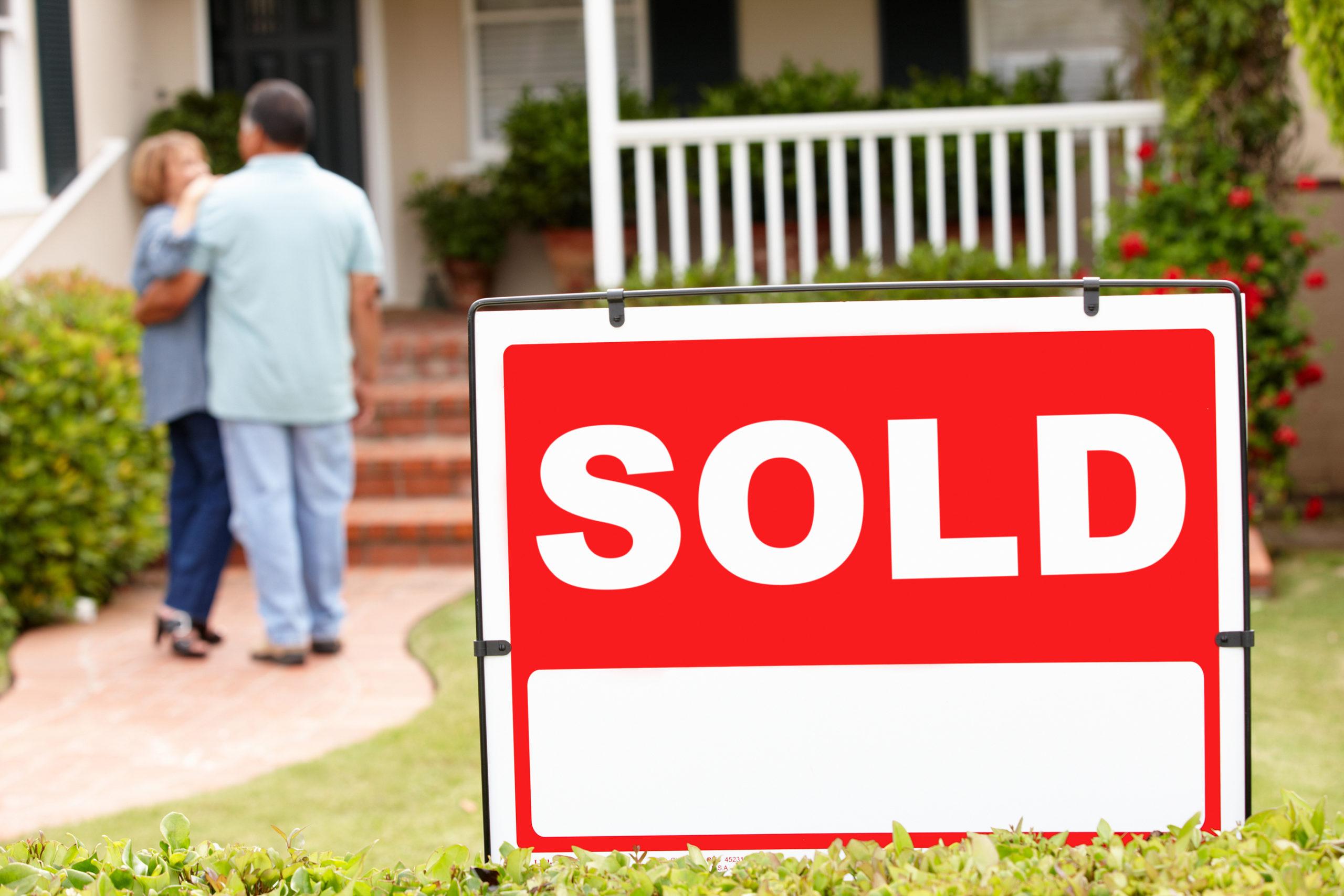 Senior couple sells their home.